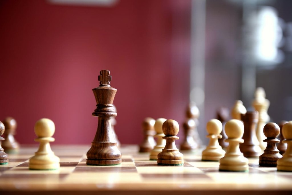 ClubDeal-Family-office-10 commandments-invest-chess-strategy-smart-intelligence